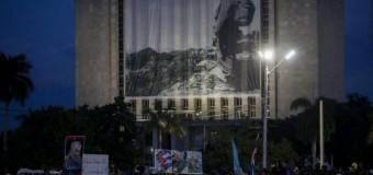 Fidel Castro böyle uğurlanıyor